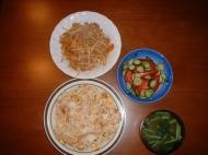 夕ご飯を大量に自分で作りました。